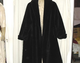 Vintage 60s Ladies Black Faux Fur Swing Coat Large As Is bch