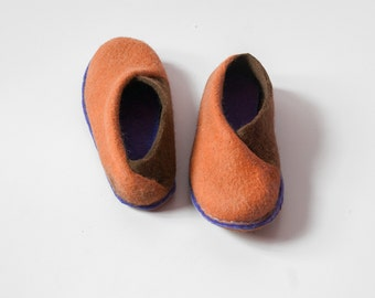 Cinnamon chocolate envelope slippers Felted wool slippers Elegant slippers Handmade footwear Eco friendly shoes home shoes Cozy spring shoes