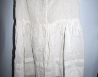 Antique Little Girls Sleeveless Dress White Cotton Eyelet Trim Lace Shell Buttons