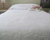 Vintage Matelasse Bedspread White Beauty - Shabby Cottage Paris Apartment Boudoir