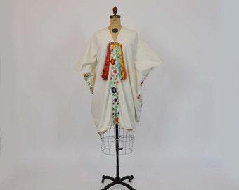70s caftan / Embroidered Vintage 1970's Boho Ethnic Caftan  Dress
