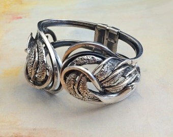 TORTOLANI-Vintage Jewelry-CLAMPER BRACELET-Antique Silver Tone-Hinged-Textured-Designer