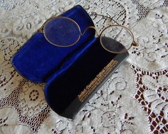 Oval Vintage Eyeglasses in Original Box - Optical