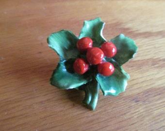 Glass berry holly brooch