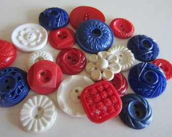 Vintage Buttons - Cottage chic fancy pierced mix of red, blue and white, lot of 21 old and sweet( nov 371b)
