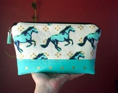 Medium Padded Essential Oil Pouch- Running Horse Print- Fits 9 Bottles