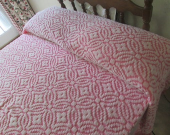 Vintage 50s pink chenille bedspread full size with fringe