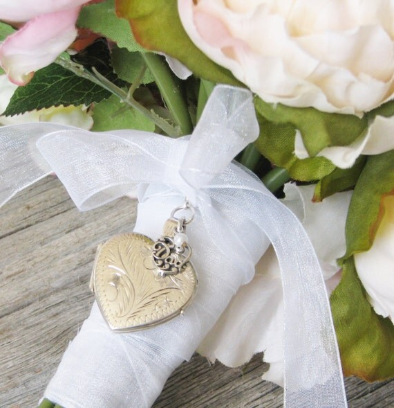 wedding bouquet memory charm in memory of bouquet locket wedding bouquet locket 8467