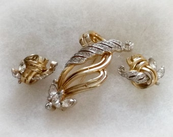 Mazer Bros Brooch Earrings Set, pave rhinestone in rich gold tone swirls, Vintage 1940s signed jewelry