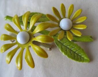 Daisy Flower Yellow Brooch White Green Enamel Vintage Pin