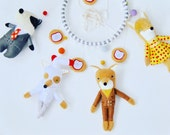 Fantastic Mr Fox Baby Mobile // The perfect mobile for Roald Dahl and Wes Anderson enthusiasts having a baby // one of a kind