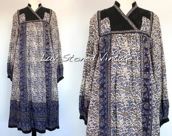 XS - S . Vintage 70s Indian Bib Cotton Boho Hippie Indian Tent Ethnic Festival Midi Dress . 1188.6.9.16