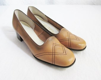 SALE Vintage Butterscotch two tone Shoes Leather Pumps  Low Heel 1960s Never Worn. 7.5 7 1/2 contrast stitching ( was 35)