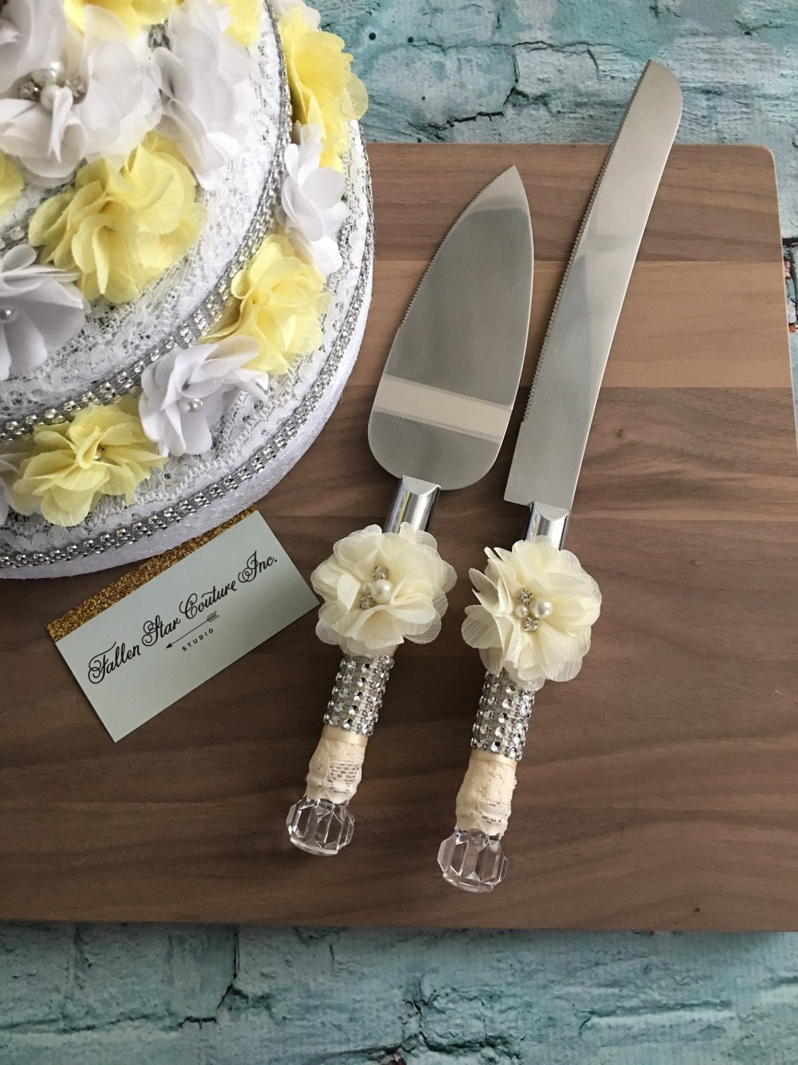 ivory wedding cake knife set knife set cake cutting set. Black Bedroom Furniture Sets. Home Design Ideas
