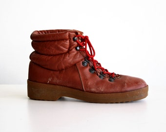 Size 12: Vintage 1970's Men's WEEDS for Florsheim Brand Vintage Retro Leather Worn in Red Shoe Lace Hiking Boots