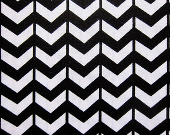 Japanese Fabric Chevron Print Fabric in Black and White - Cotton Fabric - Fat Quarter