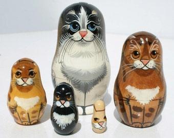 Cats Matryoshka Babushka Wooden Nesting Dolls Art of Russia 5pc 10cm
