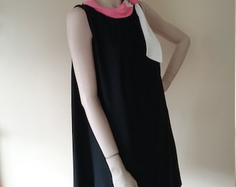 Vintage Crepe Swing Dress with Pink and White Neckline Accent