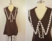 Vintage Women's 70s Mini Dress Chocolate Brown with White Daisy Collar