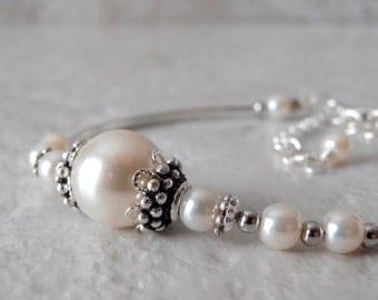 Off White Pearl Bracelet Bridal Bracelet Brides Bracelet Imitation Pearl Bridesmaid Jewelry Faux Pearl Wedding Jewelry Pearl Bridal Jewelry
