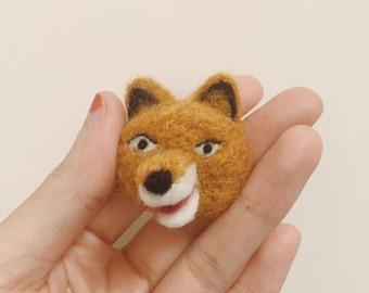 Little fox felt work pin!