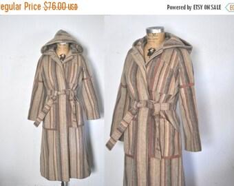 SALE 40% OFF 1970s Wool HOOD Coat Jacket / swing princess / S-M