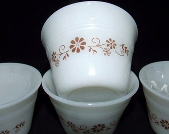 SALE   4 Milk Glass DYNAMWARE  Pyr- o-Rey Custard Cups