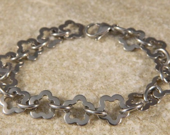 Stainless Steel Flower/Star Link Bracelet