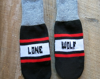 Lone Wolf Knit Mittens