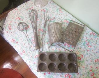 Antique Cookware Lot Six Pieces
