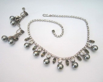 Vintage Mid Century Beautiful Smoky Rhinestone and Faux Black Pearl Necklace with Drop Earrings