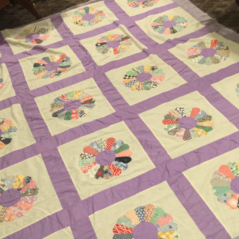 Antique Quilt Top Dresden Plate pattern