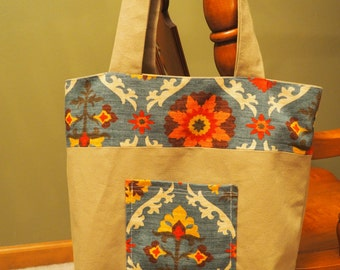 Sturdy Flowery Canvas Tote With Pockets