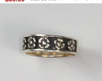 CIJ Sale Floral Design Ring Oxidized Background Sterling Vintage Size 8.5