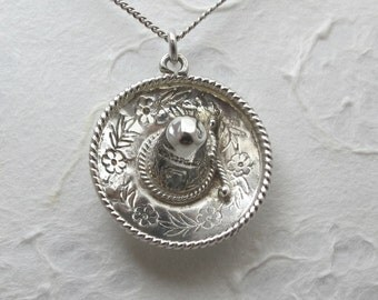 Sale - 1970's Mexican Sombrero Hat Sterling Silver Pendant And Curb Link Chain