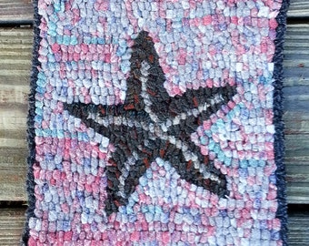 Beginner STARFISH ON CORAL Primitive Rug Hooking Kit with cut wool  strips