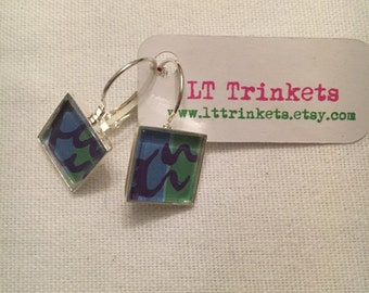Preppy Lilly Pulitzer lever back earrings