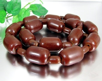 Vintage BROWN AMBER BAKELITE Bead Necklace Large Chunky Beads 157 Grams