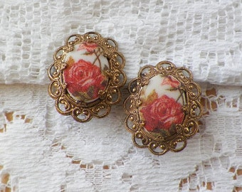 Vintage Romantic Sugared Deep Coral Peach Tea Roses Clip On Earrings, Filigree / Filigreed Brass / Gold Tone Metal, West Germany