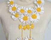Paper Raffia Daisy Bib and Earings Set