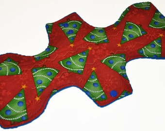 Heavy Hemp Core- Evergreen Holiday Reusable Cloth Goddess L Pad- WindPro Fleece- 14.5 Inches