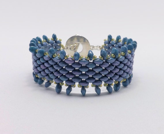 Blue Luster Fringe Beaded Bracelet - fits 7 inch wrists Sku: BR1019