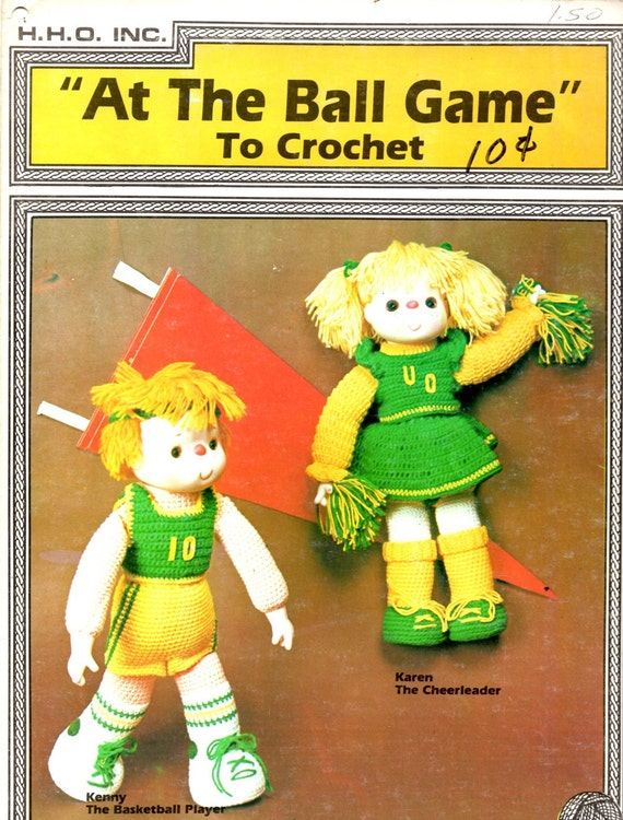 At the Ball Game Athlete and Cheerleader Crochet Basketball Player Uniforms Pom Pons Socks Tennis Shoes Sneakers Dolls Craft Pattern Leaflet
