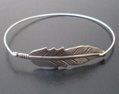 Silver Feather Bracelet, Nature Jewelry, Hippie Jewelry, Hippie Chic, Feather Jewelry, Nature Inspired Jewelry, Feather Bangle Bracelet
