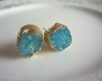 Blue druzy and gold post earrings, druzy earrings, geode earrings, geode jewelry, druzy stud earrings