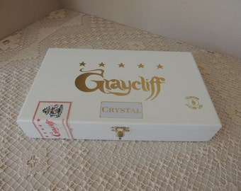 White Graycliff Cigar Company Wood Cigar Box. Nassau Bahamas Genuine Hand Made Cigar Box. Cigar and Pipe  Storage Box