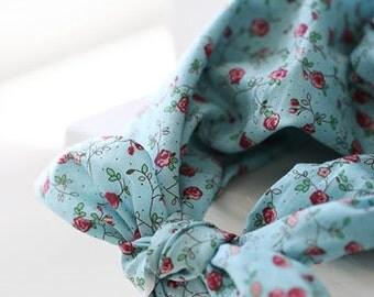Petite roses on ASSA Cotton, U311
