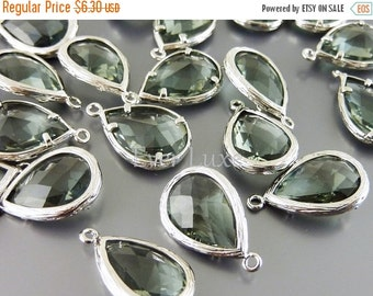 15% OFF 2 Unique gray faceted glass pendants / large grey tear drop glass beads for jewelry making / supply 5060R-GR (bright silver, gray, 2