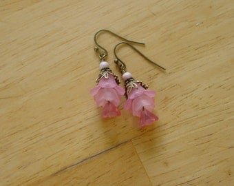 Vintage Style Bead Dangles Pink Lucite Flower Earrings