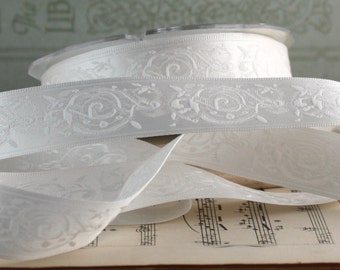 """White Embroidered Satin Ribbon, 7/8"""" wide Ribbon by the yard, White Satin Ribbon, Weddings, Gift Ribbon, Party Supplies, Bouquets"""
